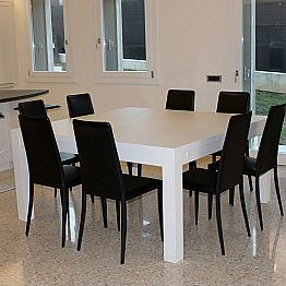 Modern extending table in solid oak wood, 160x160cm, Jacob
