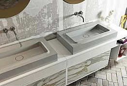 Bathroom top with centrally integrated sink in Luxolid Voghera